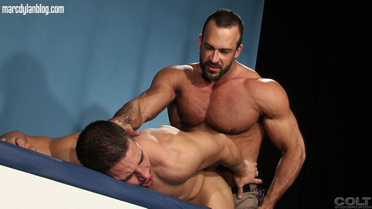 Amateur men strippers