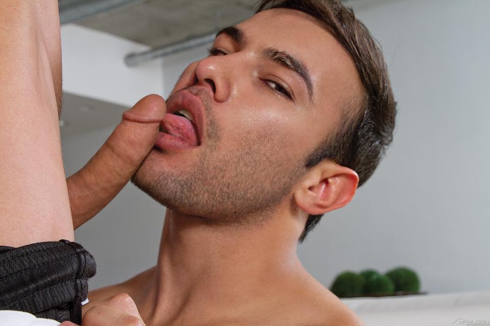 Gay Tongue Fuck - Dorian Ferro Sucks Ryan Rose At Falcon