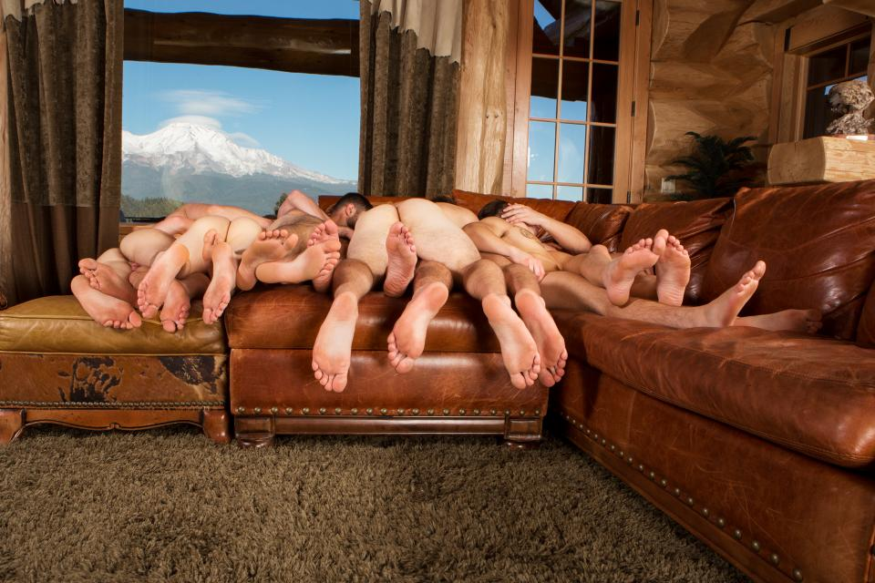 Largest orgy be 19 hunreds