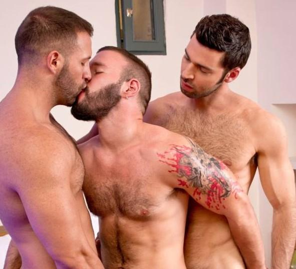 Donato Reyes, Dario Beck, & Alessio Veneziano Have A 3 Way!