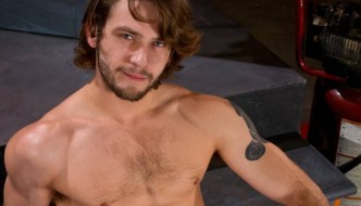 Derek Atlas Fucks Duncan Black At Raging Stallion!