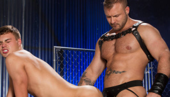 Austin Wolf Fucks Hunter Page At Hot House!
