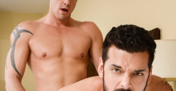 Darin Silvers Fucks Marcus Ruhl – The Layover!