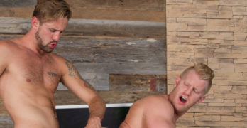 Wesley Woods Fucks Muscle Stud Johnny V